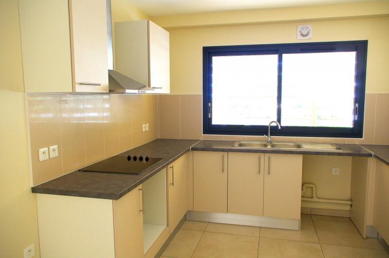 Investment property apartment Saint paul 350000€ - Picture 3