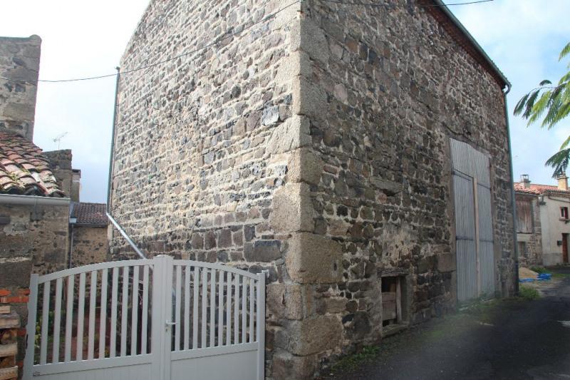 Grange avec jardin à 5 mn de Saint saturnin