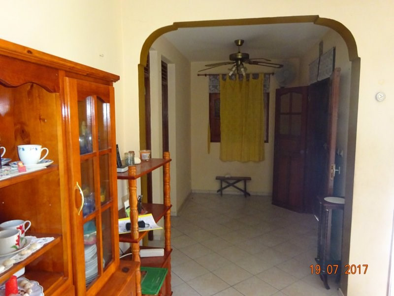 Sale house / villa Bouillante 153 000€ - Picture 4