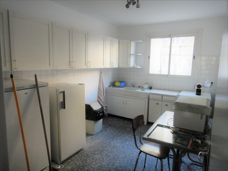 Location appartement Marseille 4ème 750€ CC - Photo 4