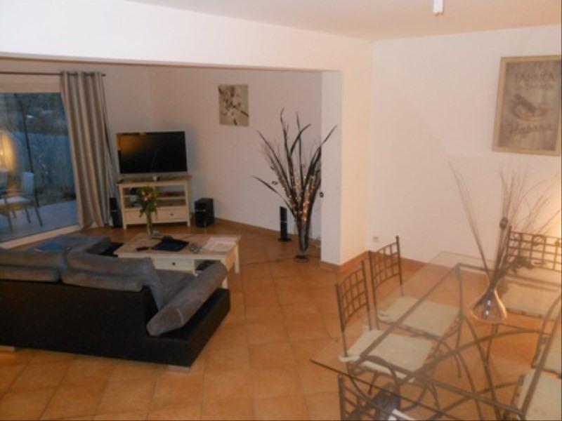 Rental house / villa Fuveau 1480€ CC - Picture 2