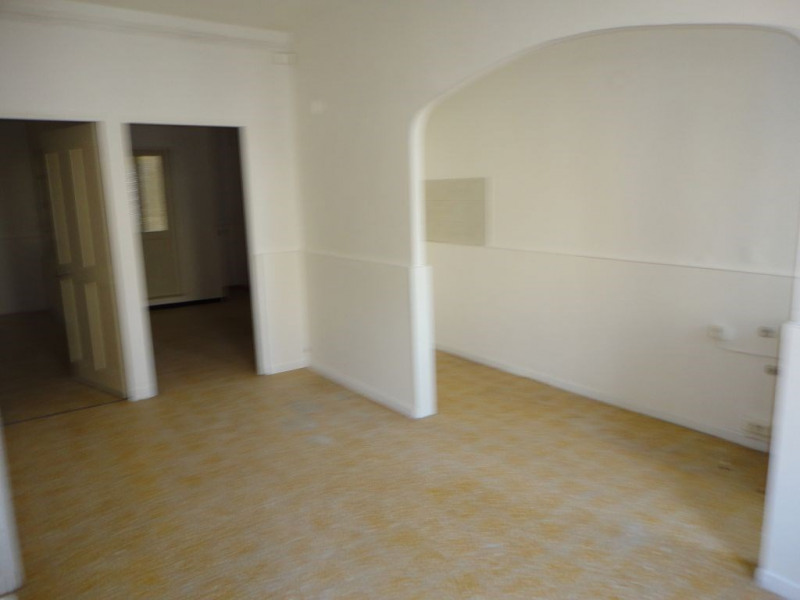Location appartement Entraigues sur la sorgues 410€ CC - Photo 10