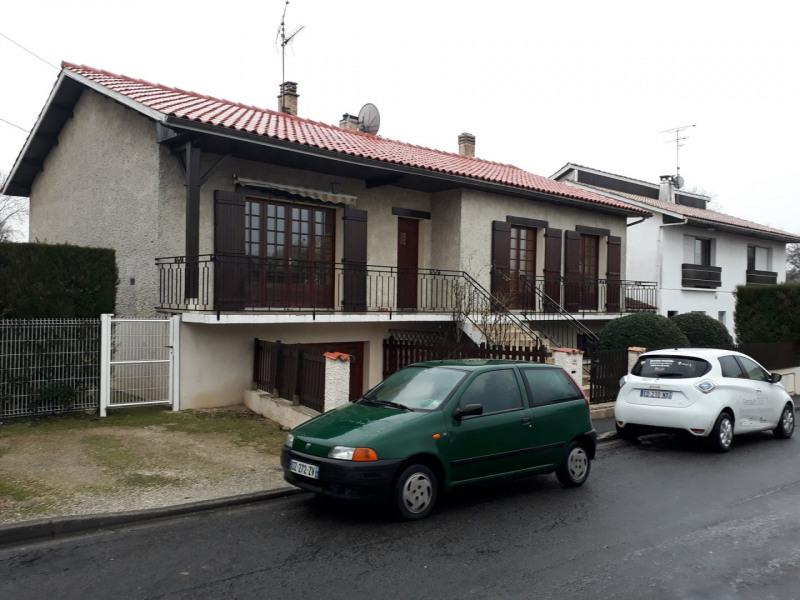 Sale house / villa Ruelle sur touvre 130000€ - Picture 1