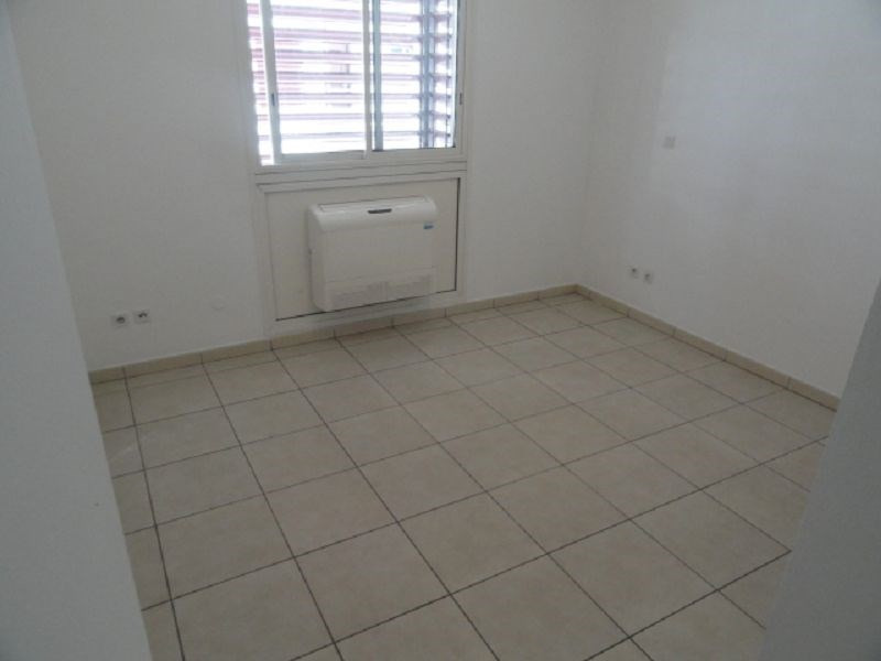 Location appartement St denis 741€ CC - Photo 5