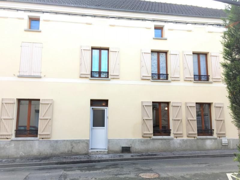 Location appartement Pierrelaye 523€ CC - Photo 1