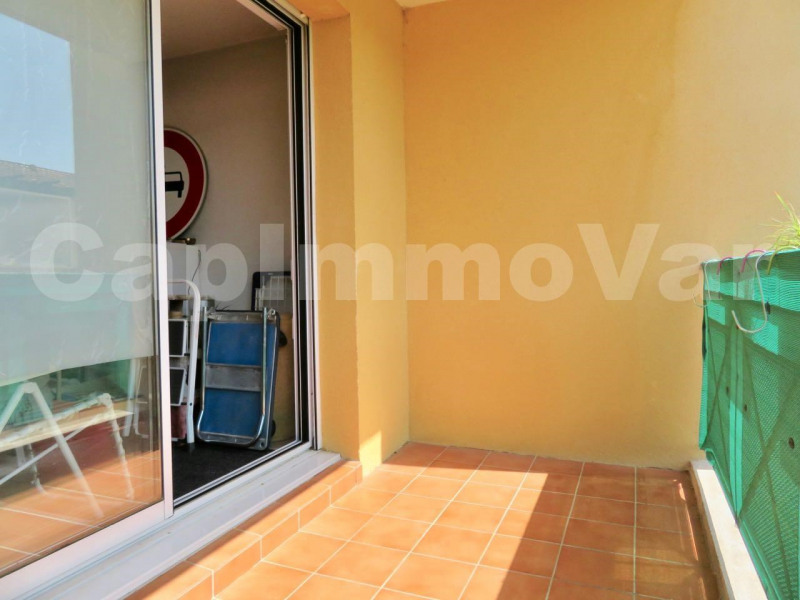 Sale apartment Le beausset 75 000€ - Picture 2