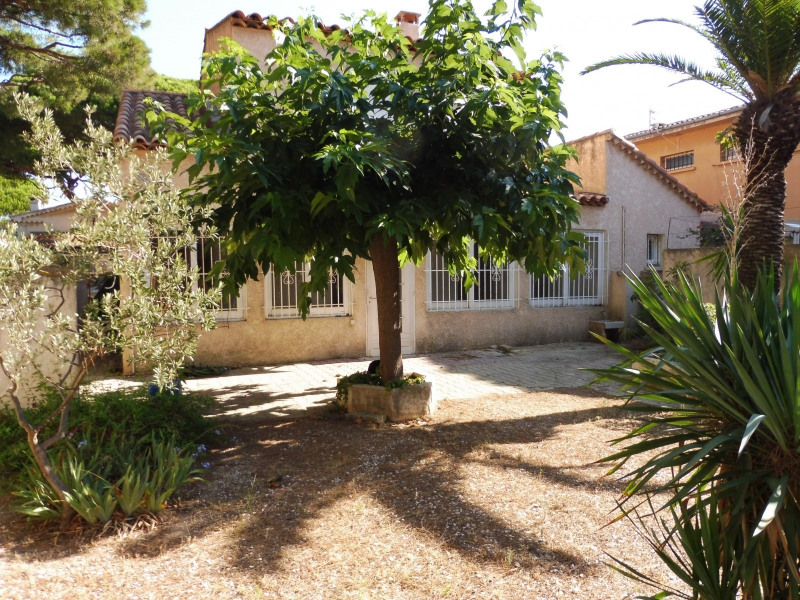 Sale house / villa Hyeres 550 000€ - Picture 1