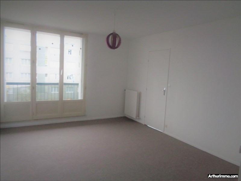 Rental apartment Fleury les aubrais 742€ CC - Picture 2