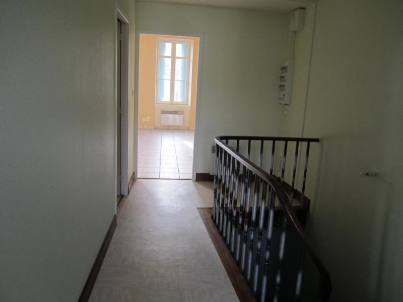 Location appartement Baignes-sainte-radegonde 406€ CC - Photo 3