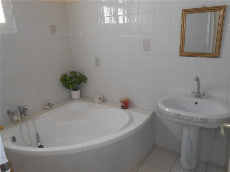 Investment property house / villa St claude 310000€ - Picture 10