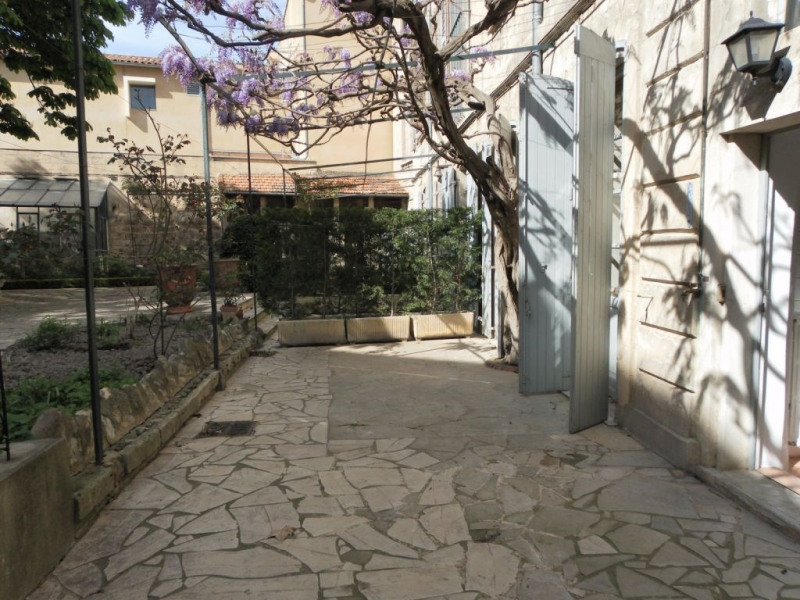 Location appartement terrasse et garage Avignon intra-muros