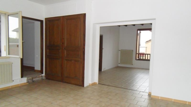 Location maison / villa Sainte savine 750€ CC - Photo 4