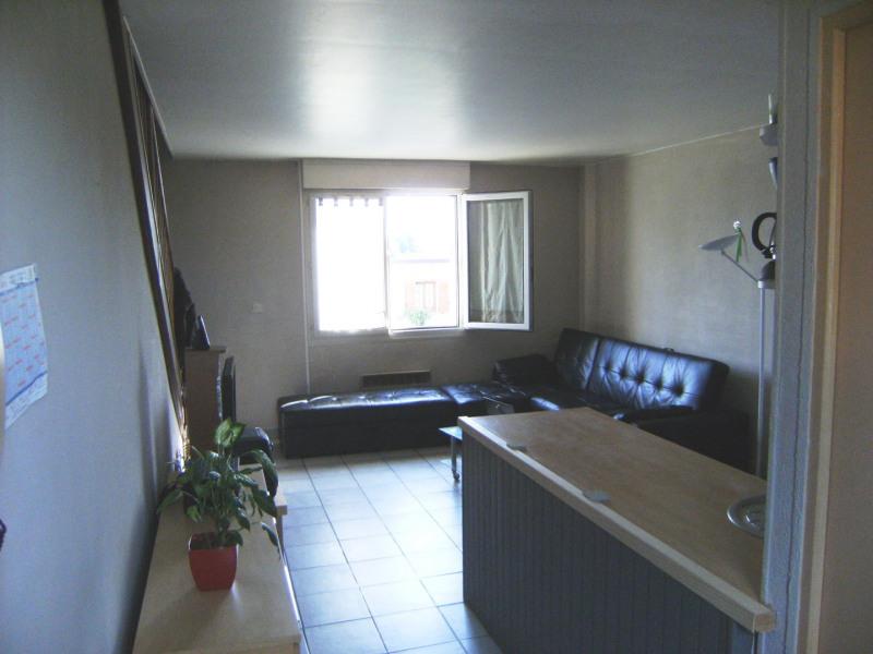Location appartement Pierrelaye 686€ CC - Photo 2