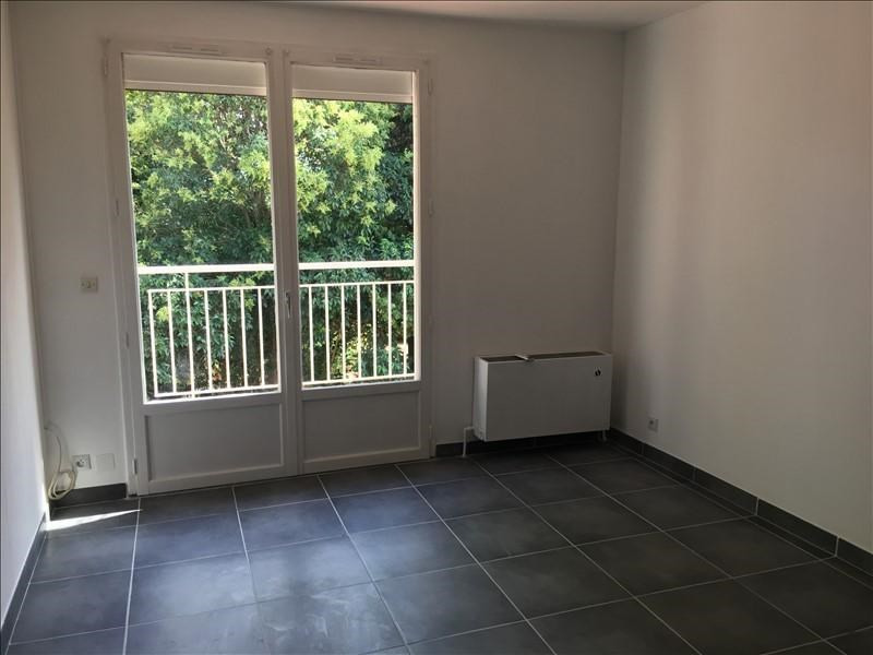Rental apartment Nimes 785€ CC - Picture 5