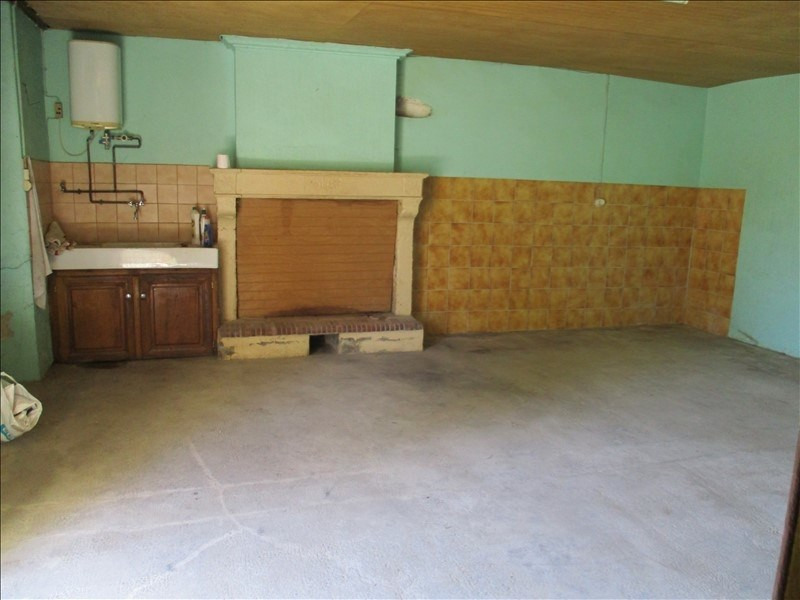 Sale house / villa Loulay 32700€ - Picture 2