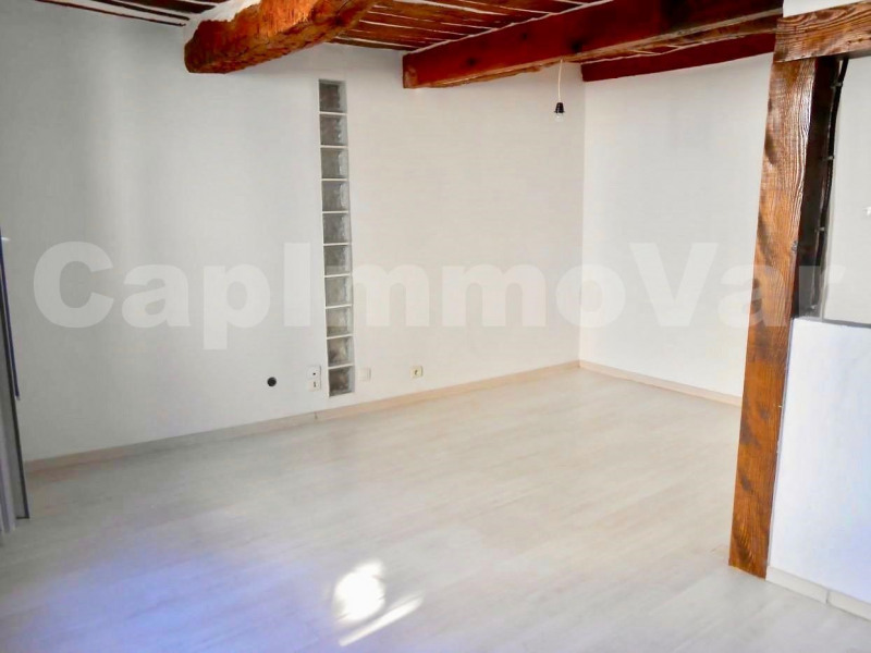 Sale house / villa Le beausset 158000€ - Picture 2