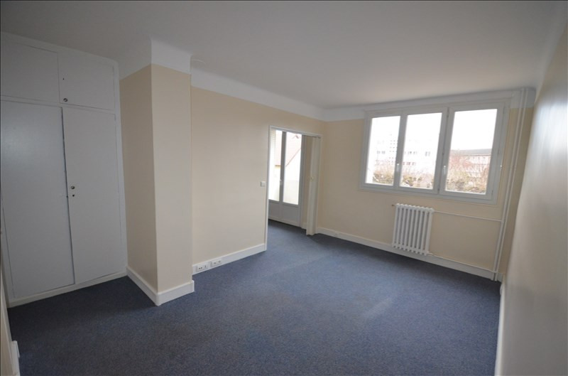 Rental apartment Le vesinet 791€ CC - Picture 2
