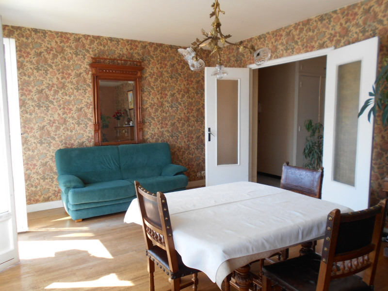 Vente appartement Lons-le-saunier 137500€ - Photo 2