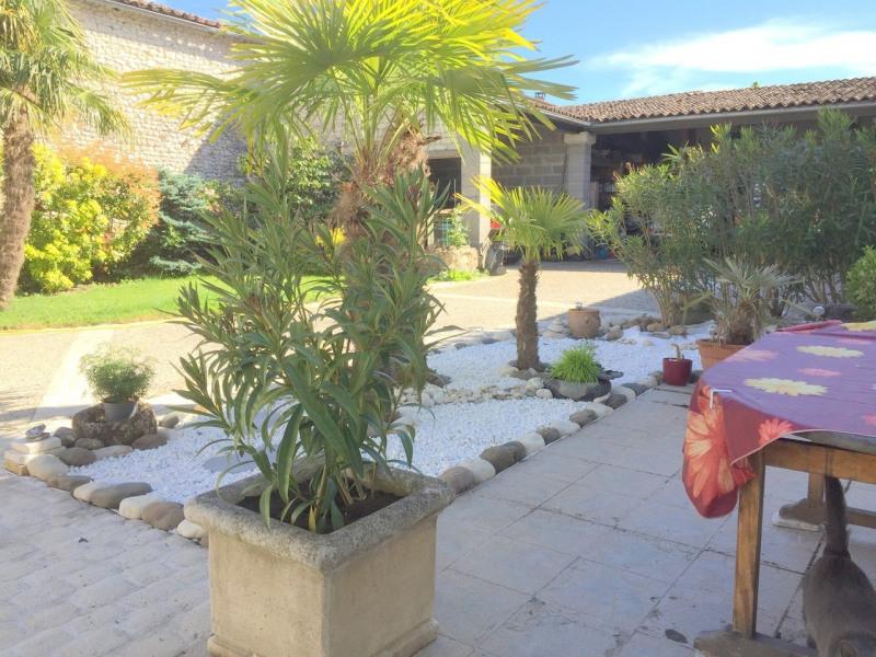 Sale house / villa Salles-d'angles 369250€ - Picture 14