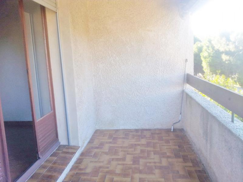 Location appartement Saint-cyr-sur-mer 790€ CC - Photo 2