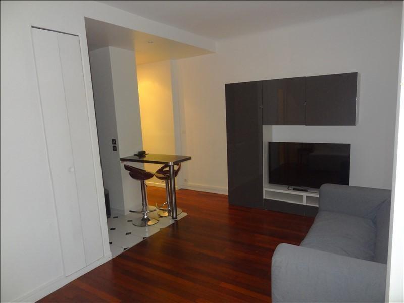 Rental apartment Levallois perret 996€ CC - Picture 2