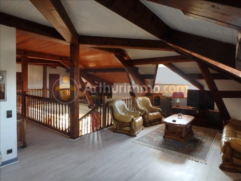 Vente maison / villa St etienne du bois 305000€ - Photo 8