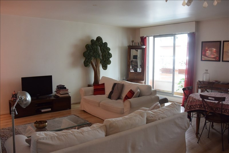 Sale apartment Paris 15ème 720 000€ - Picture 1