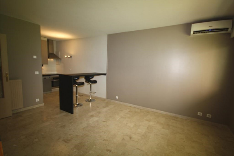 Sale apartment Juan les pins 195 000€ - Picture 1