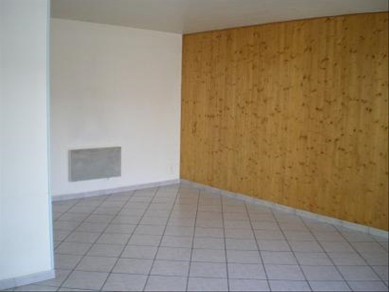 Location appartement Roussay 420€ +CH - Photo 3