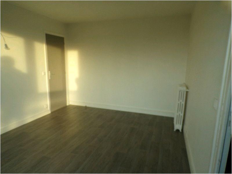 Rental apartment Brunoy 802€ CC - Picture 1