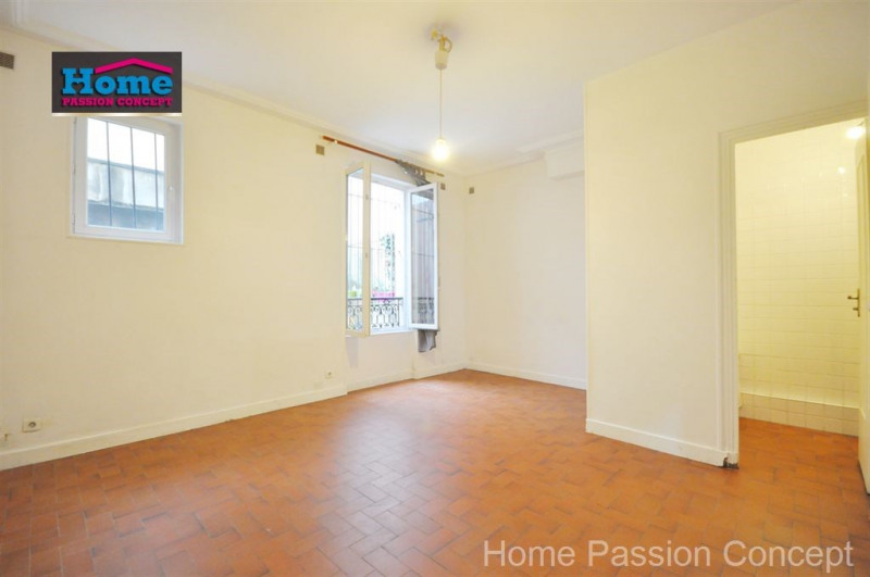 Sale apartment Paris 20ème 250000€ - Picture 1