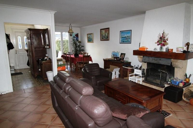 Rental house / villa Le mesnil st denis 1845€ CC - Picture 4
