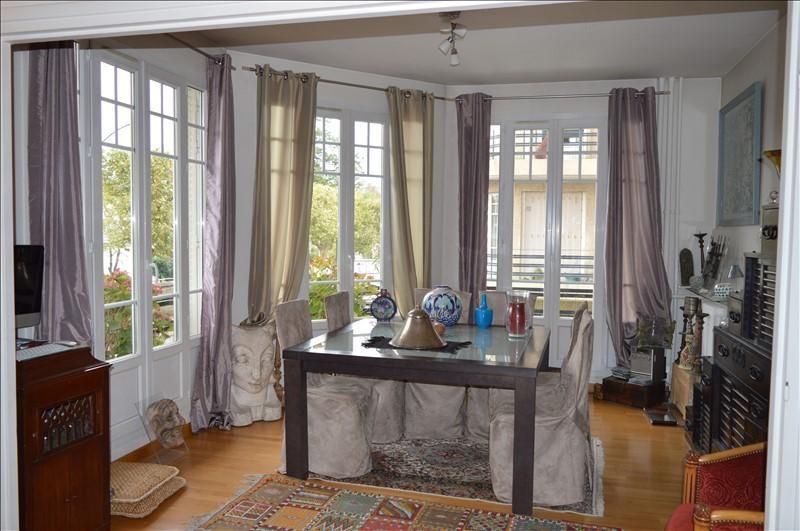 Sale apartment La varenne st hilaire 367500€ - Picture 1