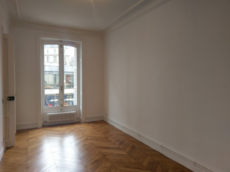 Rental apartment Paris 8ème 4 091,89€ CC - Picture 8