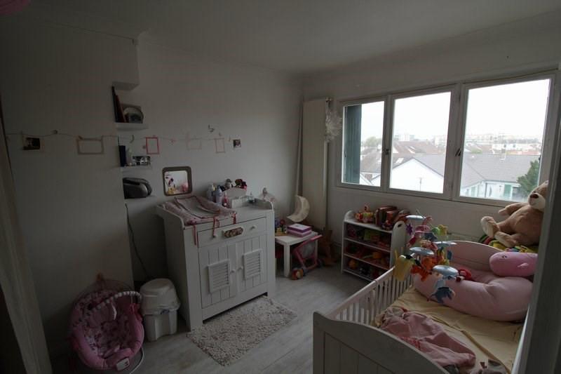 Sale house / villa Maurepas 283500€ - Picture 5