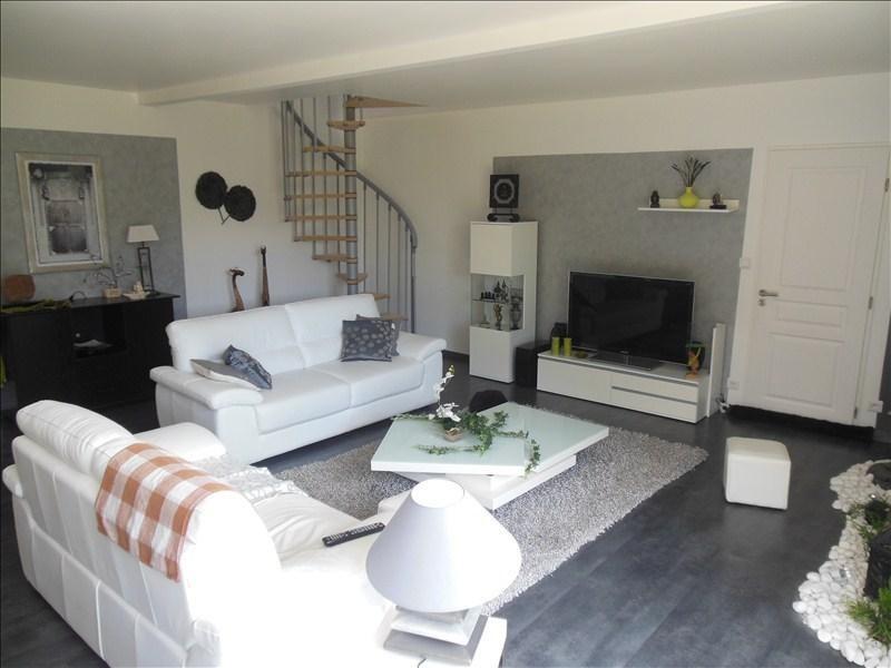 Sale house / villa Belbeuf 379000€ - Picture 4