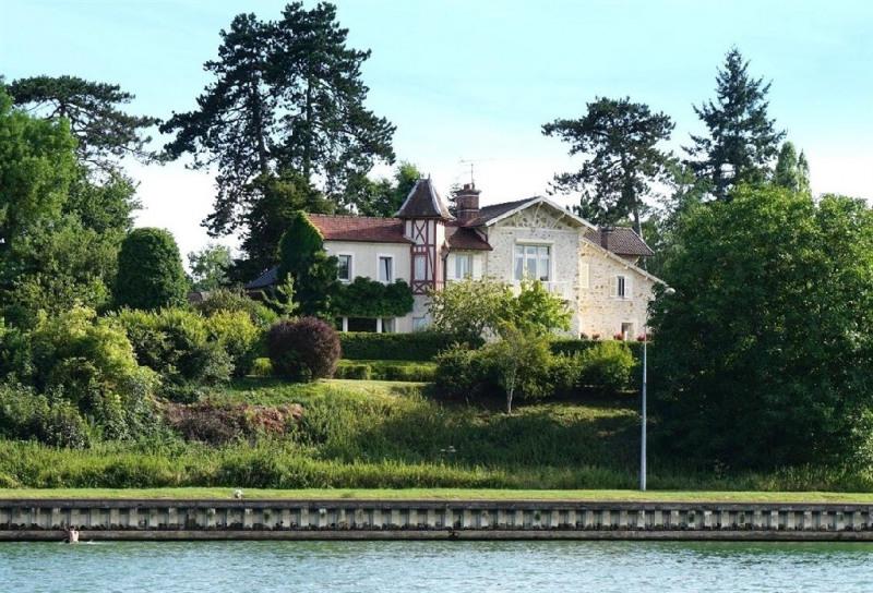 Sale house / villa Bois le roi 990000€ - Picture 1