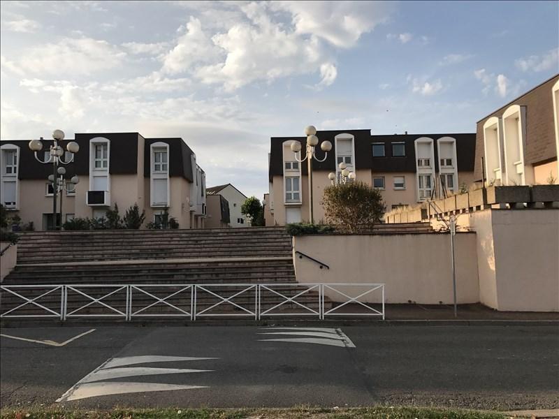 Location appartement Villepreux 850€ CC - Photo 1