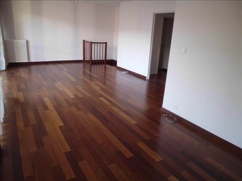 Sale apartment Le mesnil le roi 395000€ - Picture 1