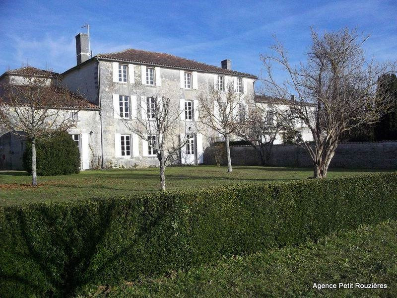 Sale house / villa Chassors 398 000€ - Picture 1