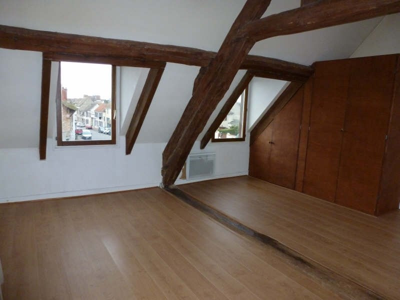 Rental apartment Neauphle le chateau 648€ CC - Picture 1