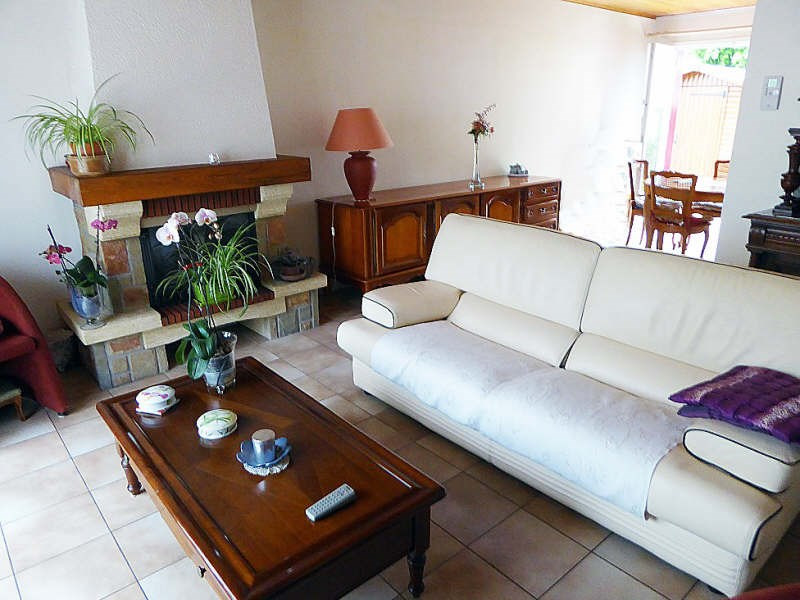 Sale house / villa Maurepas 389 000€ - Picture 2