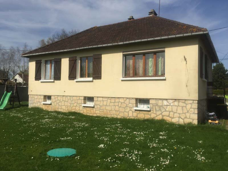 Sale house / villa Henonville 200000€ - Picture 1