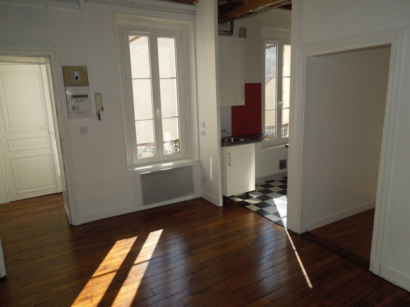 Location appartement Melun 705€ CC - Photo 1