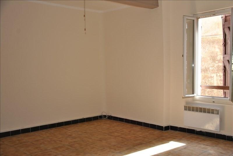 Location appartement Pourrieres 630€ CC - Photo 2