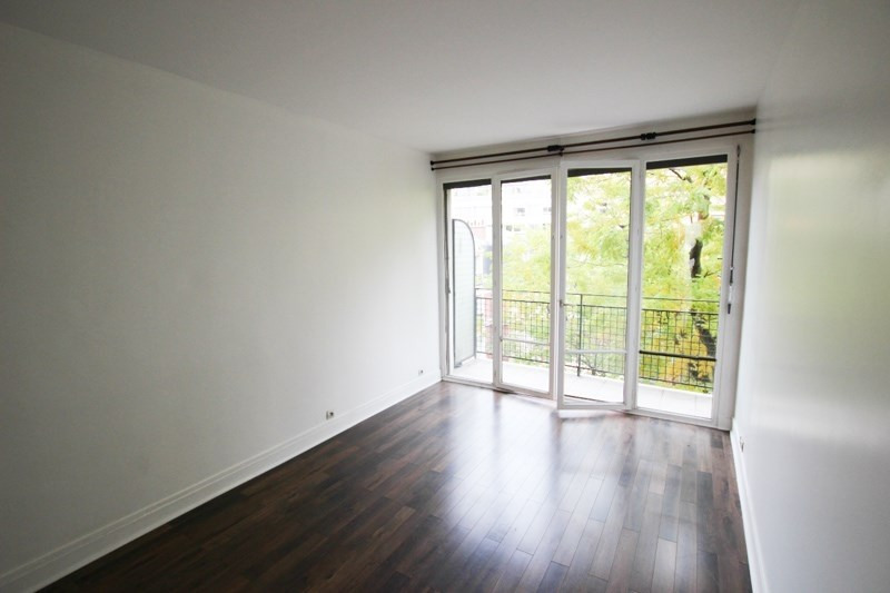 Location appartement Paris 16ème 2 350€ CC - Photo 3