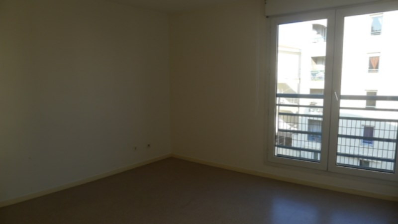 Location appartement Oullins 795€ CC - Photo 4
