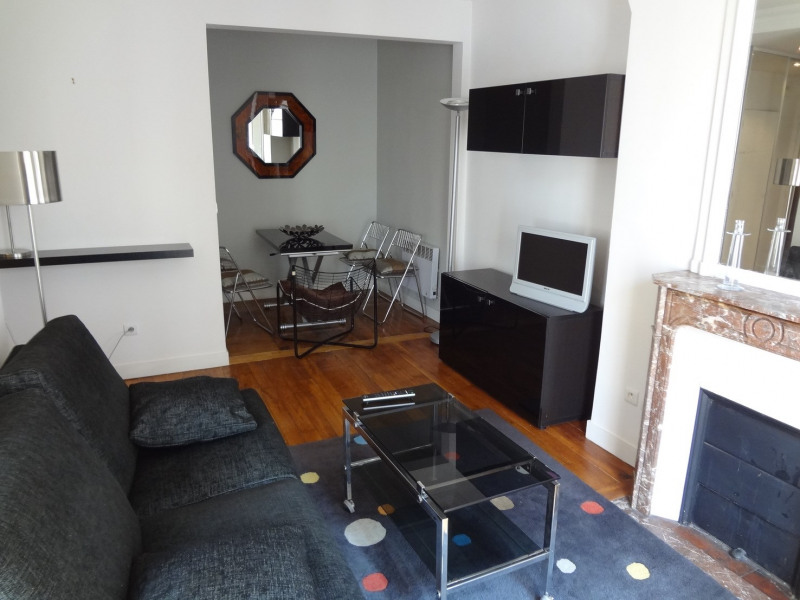 Location appartement Paris 16ème 1 400€ CC - Photo 1