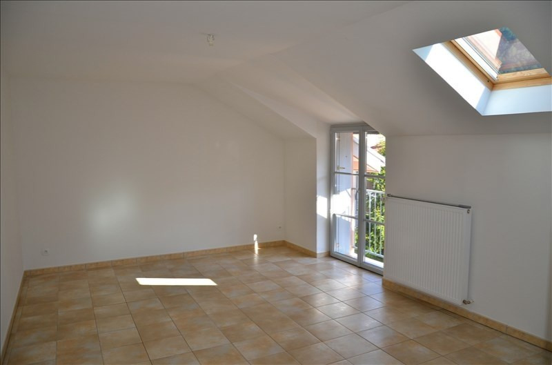 Location appartement Nantua 525€ CC - Photo 3