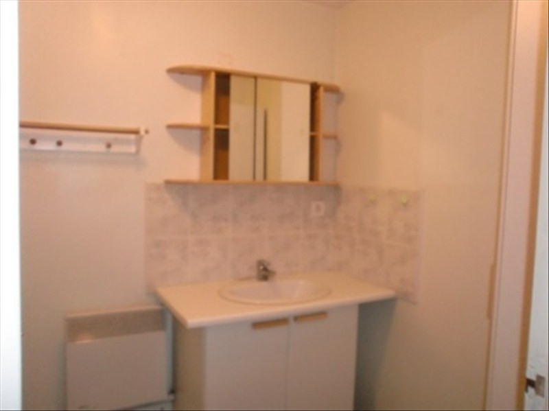 Location appartement Le puy en velay 296,79€ CC - Photo 2